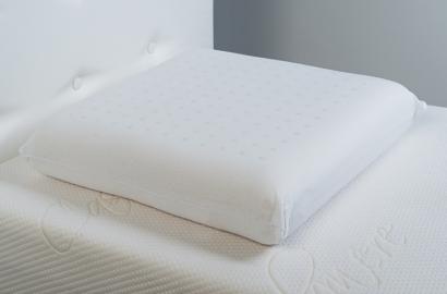 Un lit électrique est bénéfique pour le dos, accompagné d'un bon oreiller